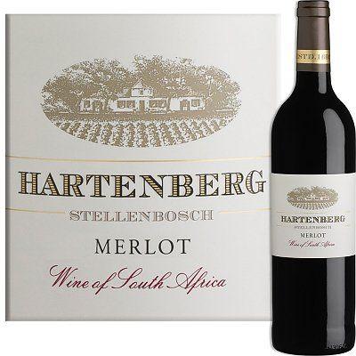 Met deze wijn won wijnmarker Carl Schultz van Hartenberg in 2005 de trofee van beste merlot ter wereld.  Een zijdezachte en elegante wijn met enorme aroma's in het glas. Verwacht je aan een explosie van zwarte bramen en jong, rood fruit, vanille door de houtrijping en noties van pruimen.Heerlijk bij combinaties van pompoen, cannelloni, kipgerechten met sauzen en gebraden eendenborst.