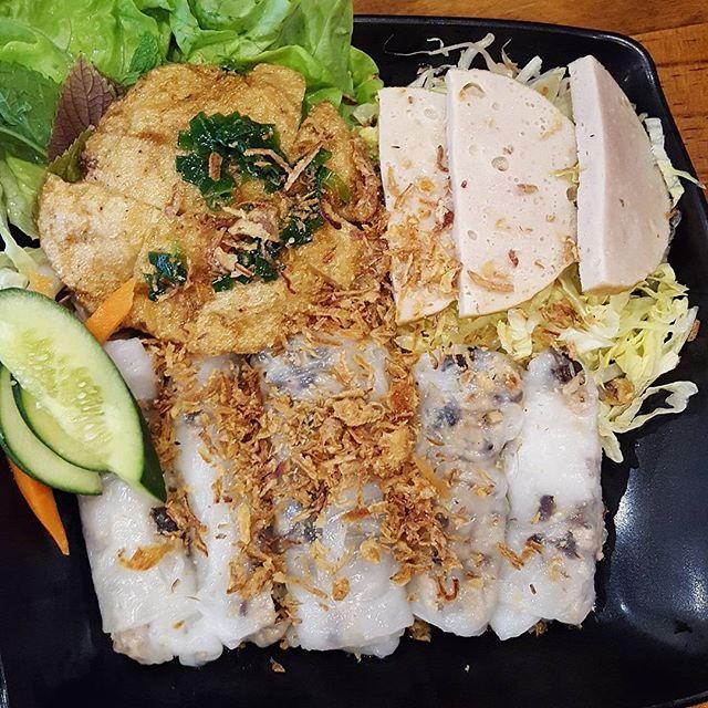 Food at Phood!  #vietnamesefood #yum #foodblog #foodblogger #sydneyfood #sydneyfoodie #sydneyfoodblog #banhcuon #chatswood #delicious #fresh #langfoodstuff #vietnamese #foodporn