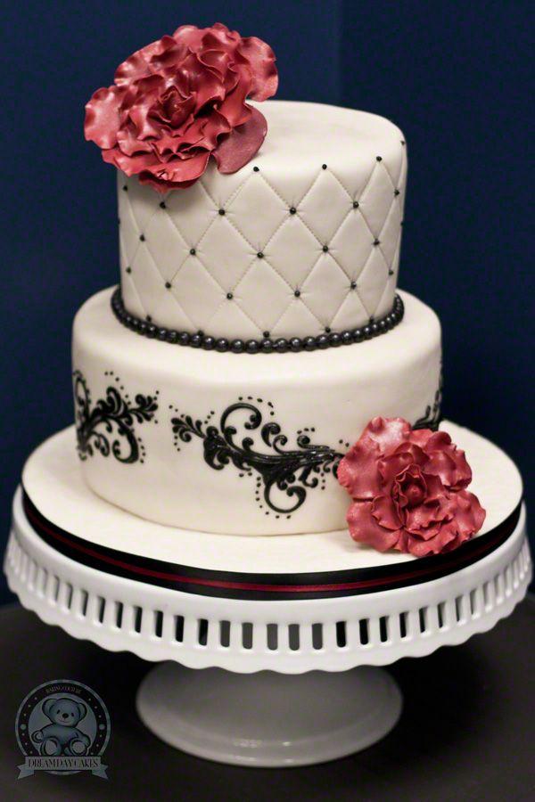 Elegant Fondant Black and White Cake...its beautiful. I love black and white cakes.
