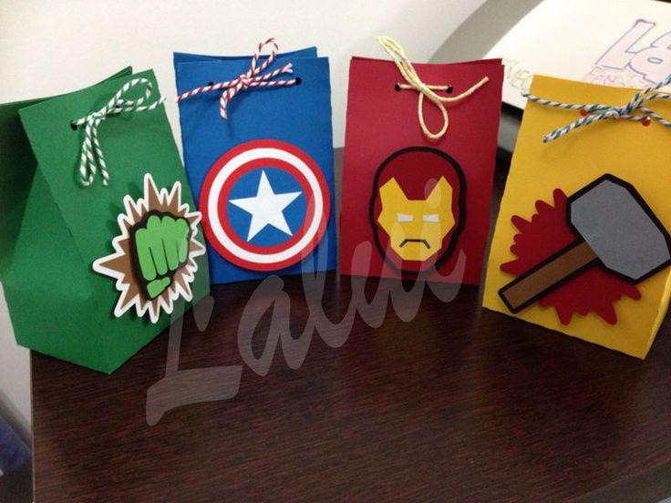 Kit com os 4 heróis (1 de cada) em scrap festa por R$ 15,00 <br>…