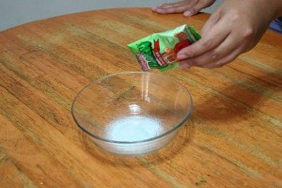 Mais uma super-receita para deixar seus cabelos com uma aparência sensacional.E desta feita o ingrediente-chave é a gelatina.