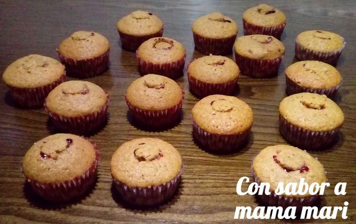 cupcakes de calabaza rellenos de arandanos