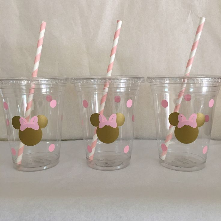 Minnie Mouse pink and gold party cups, Gold and Pink Minnie party cups,  Pink and Gold Minnie Mouse Party cups by DivineGlitters on Etsy https://www.etsy.com/listing/258141725/minnie-mouse-pink-and-gold-party-cups