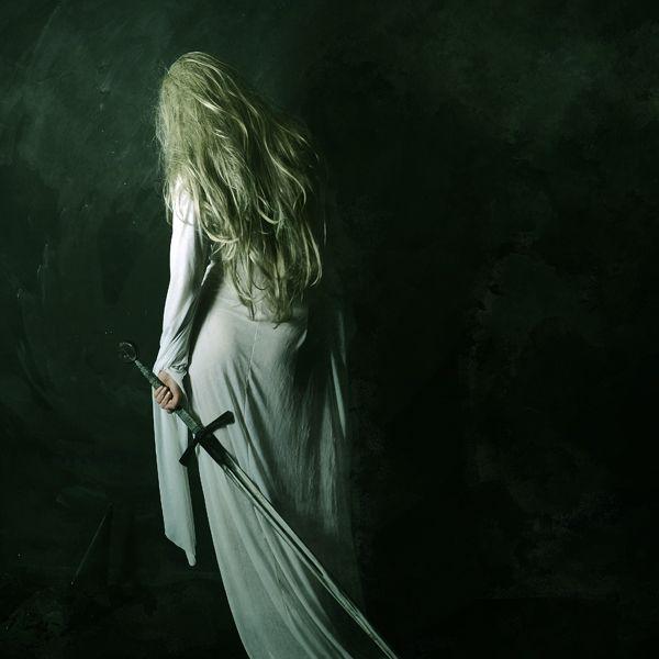 Daena Targayren with a sword. Daenawas an expert horsewoman and also a hunter