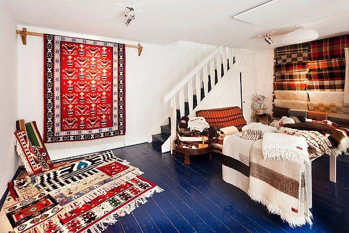 Vlněné deky a koberce / Woolen blankets and carpets