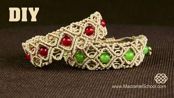 Macramé Diamond Square Bracelet with Beads. This bracelet looks great and its not hard to make. #Macrame #Jewelry