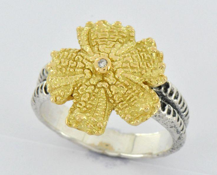 Bague oursin et étoile de mer en or jaune diamant et argent vieillit. Collection fossile de Luc Taillandier. http://www.luc-t.com