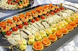 Diverse Fingerfood Häppchen:   Buffetvorschläge von klassisch bis zum Fingerfood Buffet