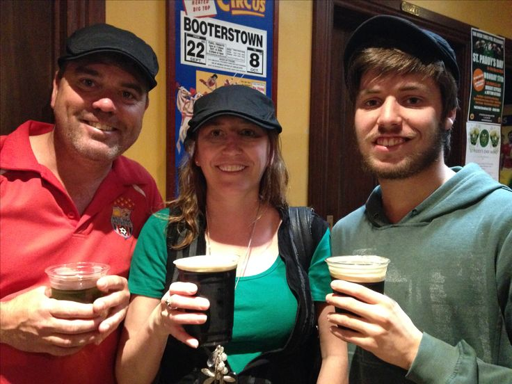 St Patricks Day Richard, Sharon & Nic - 2014 in Melbourne at The Irish Times, Little Collins St