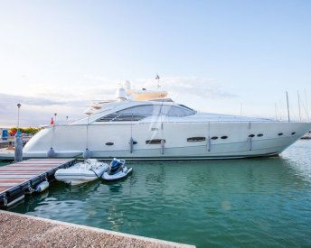 Pershing 88 Used Yacht for Sale #pershingyacht #usedyacht #yacht #luxuryyacht  www.cmmyachtservice.com