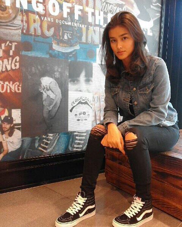 ac210500fb It s always nice to catch up with our Vans girl  lizasoberano lookin  gorgeous in her Sk8-Hi. Get this in a store near you!  vansgirls  sk8hi