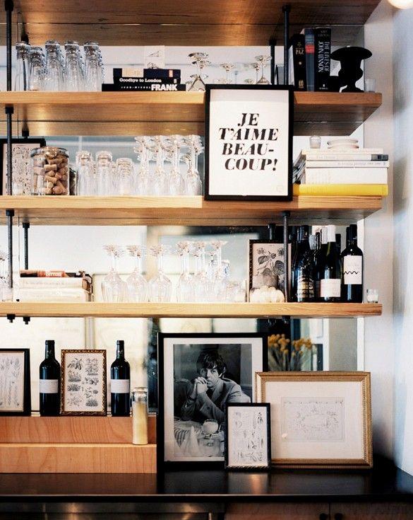 mirrored bar shelf #decor #prateleiras #espelho #bar