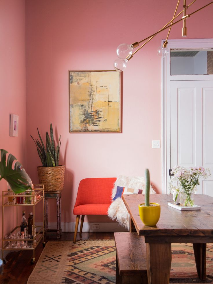 Pretty in Pink: Dining Room Makeover - a dark dungeon dining room gets a bright pink face lift! ||  Probably This