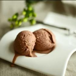 Шоколадное домашнее мороженое (Homemade Hazelnut Gelato)