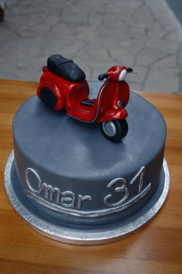 Vespa cake design