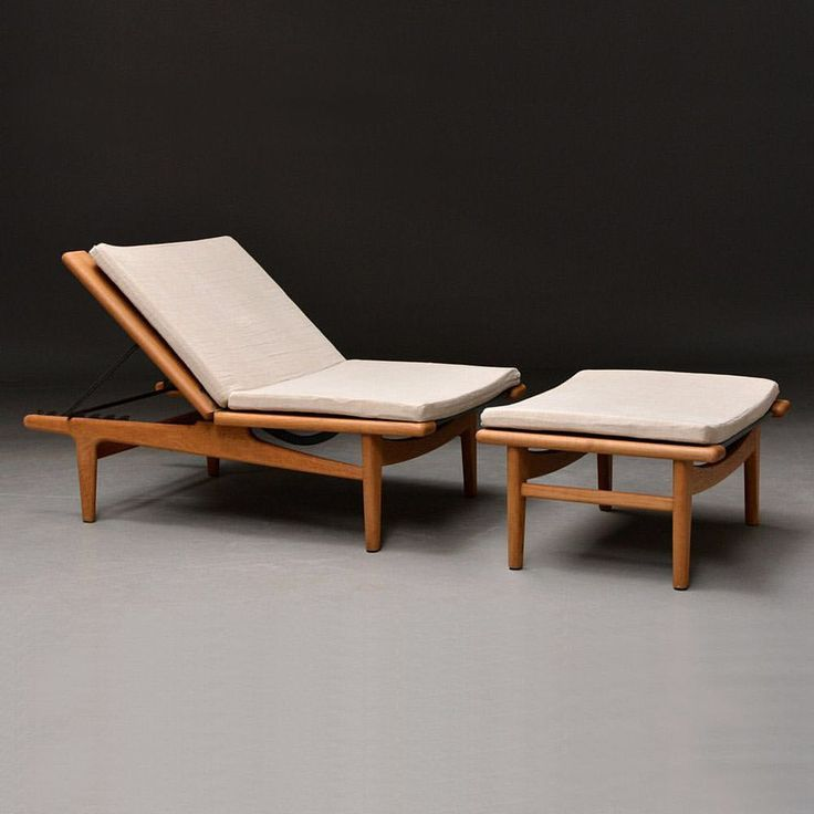 "118 Likes, 5 Comments - Lauritz.com (@lauritzdotcom) on Instagram: ""We have a beautiful Wegner Lounge chair / daybed in solid oak on auction right now For more info -…"""