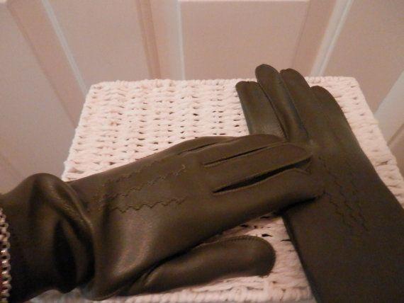 Sage Green Vintage Gloves Ladies Gloves by RETROSCARVESANDTIES