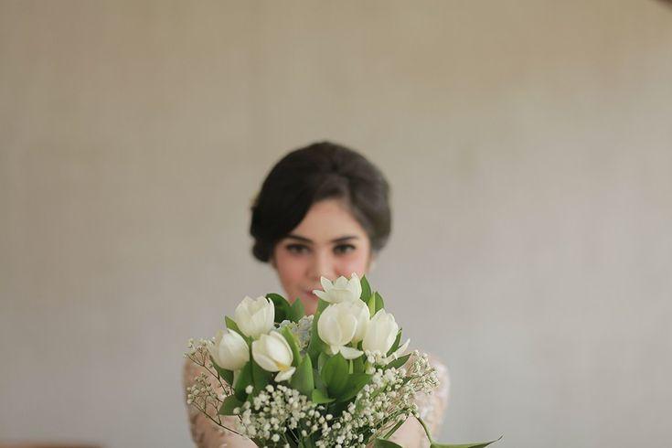 Lamaran Outdoor Dengan Detail Flower Arch ala Angela dan Ajat - photo-8-27-16-1-11-49-pm