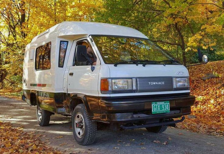 '91 TownAce Toyota 4x4 Diesel with Manual | Bring a Trailer
