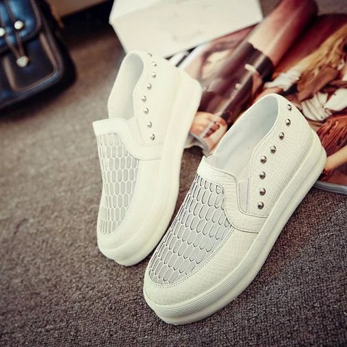 Popular Womens Flats Faux Leather Summer Womens Shoes Round Toe Hollow Out Rivet Comfort Ladies Shoes Wholesales
