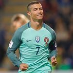417.5k Followers, 5 Following, 585 Posts - See Instagram photos and videos from Cristiano Ronaldo | Verified (@ronaldobuzz)
