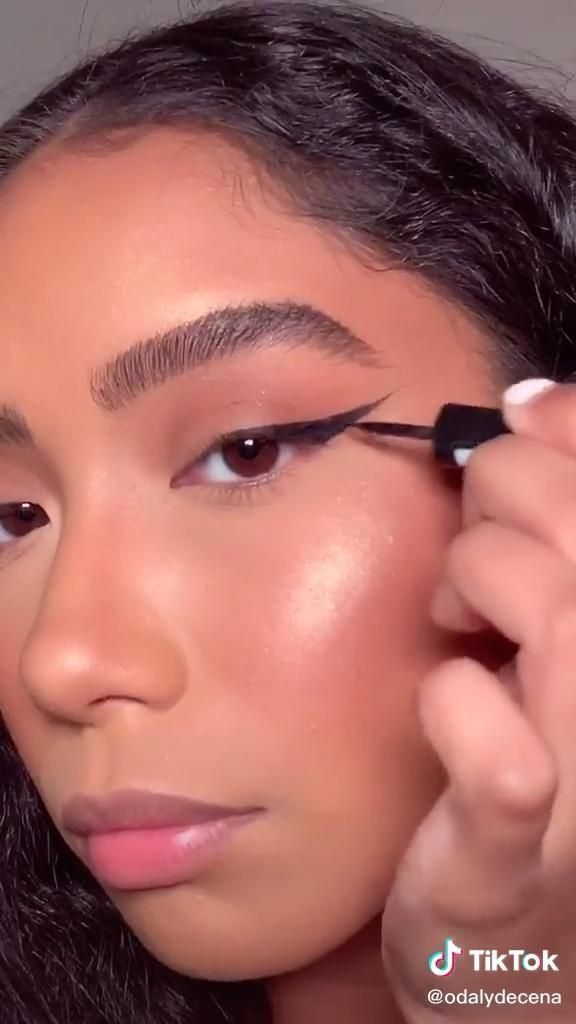 Odaly Tiktok Concerning Its Formula It S Enriched With Carbon Black That Provides A Coverage Connected With An Eye Makeup Tutorial Eye Makeup Makeup Tutorial