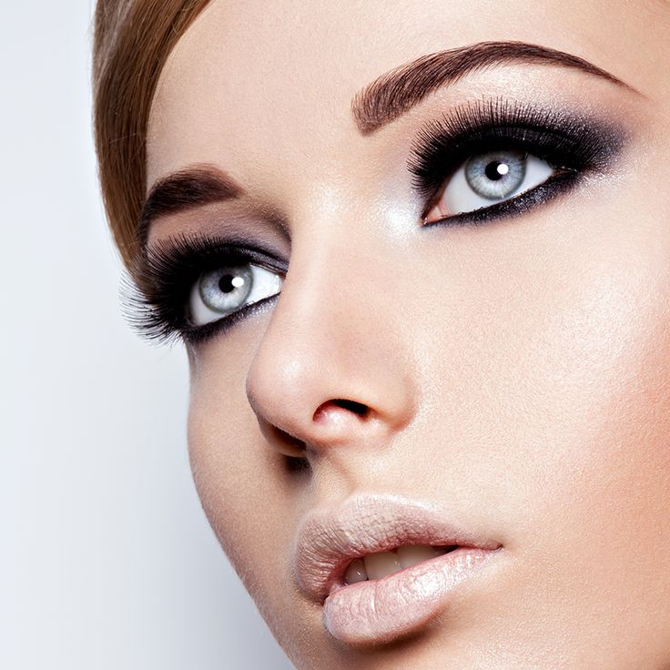 What's the secret to the perfect look? The eyes! Learn how to get your eye-makeup just right on our Beauty School Blog this week. Check it out here: https://www.hairhousewarehouse.co.za/blog/make-them-eyes-glorious-eye-makeup-basics?utm_source=Social&utm_medium=Facebook_Paid&utm_campaign=Boosted-Post_Blog&utm_content=Eye-Makeup-Basics