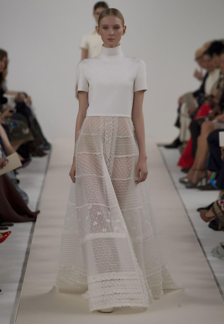 Site officiel valentino collection new york runway femme for Hors des robes de mariage rack new york