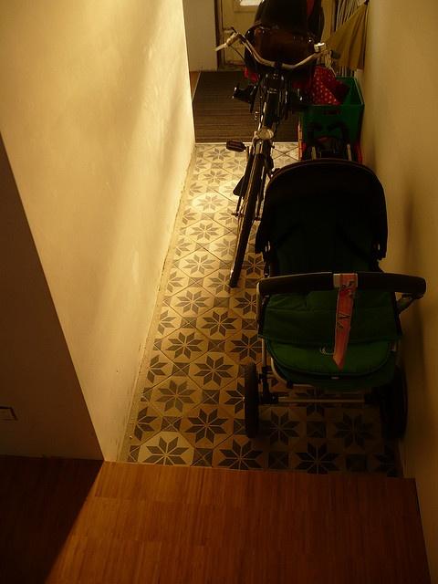 ik wil ook een verzonken deurmat! altijd schoen afkuisen en nooit meer vastzitten onder deur, yes!