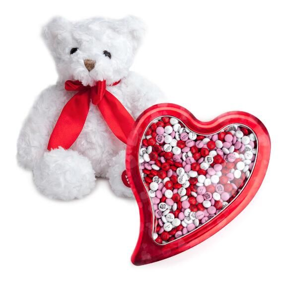 This Valentine's day, get your love one the best of both worlds with this pure white teddy bear and large red heart M&M'S gift box set... snugly AND yummy!