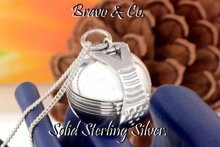 2LK-008 Hallmark 925 Solid Sterling Silver Ball Photos Locket & Chain Necklace.