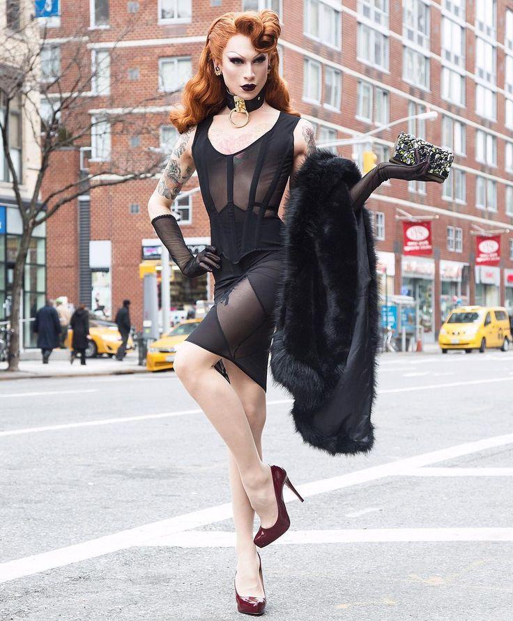 Miss Fame Photographed by @adamreyna | Dress @garosparo | Choker @zanabayne | Clutch @prada | Gloves @lacrasiagloves | Heels @louboutinworld