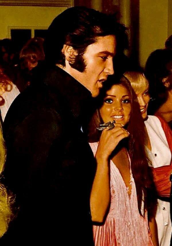 Elvis and Priscilla Presley 1969 @ the Las Vegas International.