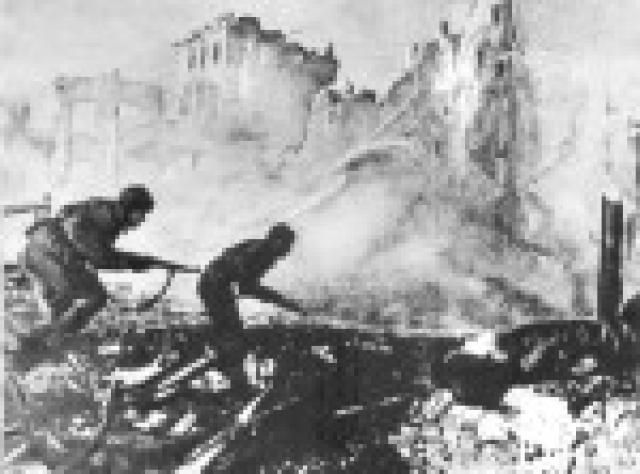 The Battle of Stalingrad: A Turning Point on the Eastern Front: Fighting in Stalingrad, 1942