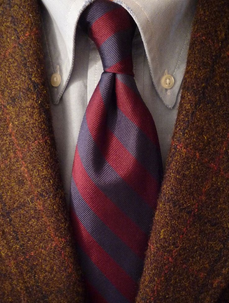 heavytweedjacket: Harris Tweed Friday. Brooks Brothers jacket and shirt J. Press/Atkinsons tie. Well-worn and fraying a bit this shirt has seen quite a bit of travel and daily wear. Theres a certain scruffy elegance about an old starched shirt.