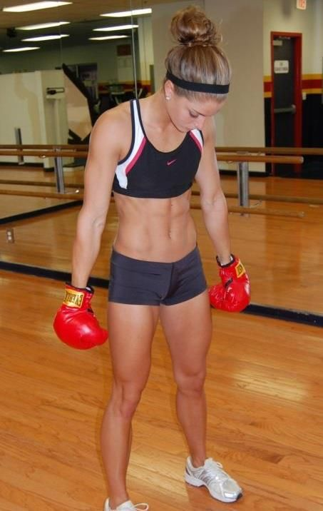 .This girl has an amazingly athletic body!
