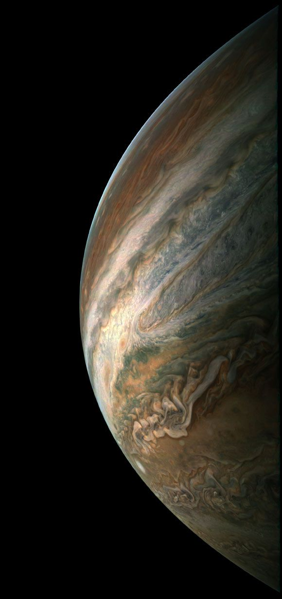 This image of Jupiter was taken by Juno on December 16 and then processed by citizen scientist Gerald Eichstaedt. Image credit: NASA / JPL-Caltech / SwRI / MSSS / Gerald Eichstaedt. At the time of the closest approach, or perijove, Juno was about 2,200 miles (3,500 km) above the planet's atmosphere.