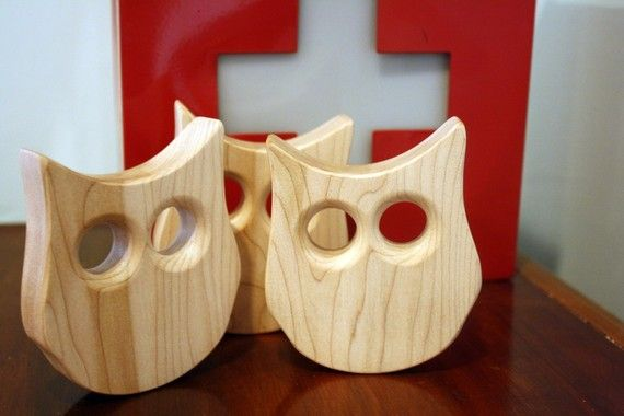 Cute Owl Teether! Thinking of a friend who has a owl nursery that would love this!
