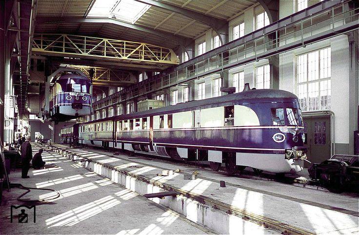 Немецкий фотограф Вальтер Холльнагель (Walter Hollnagel) (1895-1983) был служащим Deutsche Reichsbahn (Германской имперской железной дороги) в Гамбурге. Его самые ранние цветные фотографии относятся к 1938 г. и охватывают не только железнодорожный транспорт.
