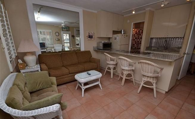 Gulf View, 1-Bedroom Condo with Private Deck -VaycayHero