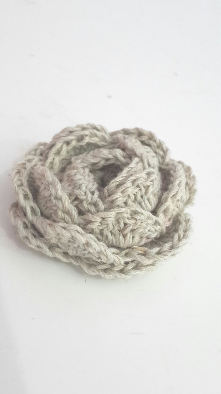 No-roll rose. (Made all in one) Free pattern.