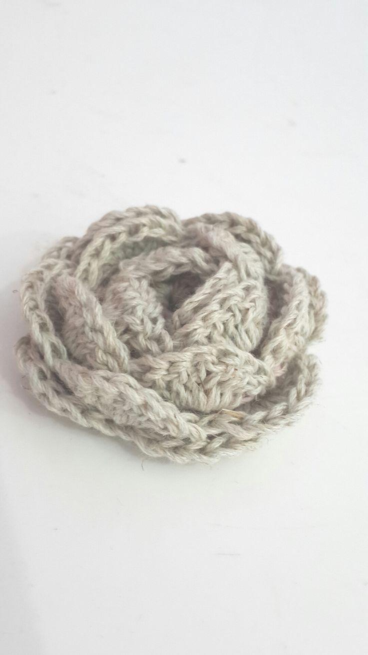 Crochet Rose, No-roll - Tutorial ❥ 4U hilariafina  http://www.pinterest.com/hilariafina/