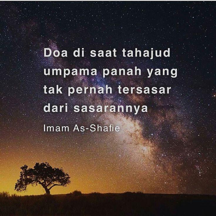 """Sabda Rasulullah ﷺ: . """"Tuhan kami (Allah) Tabaraka wa Taala pada setiap malam turun ke langit dunia yakni pada baki terakhir satu pertiga malam. . Maka Allah berfirman: Siapakah yang sedang berdoa kepada Aku supaya dapat Aku menjawabnya dan siapakah yang sedang meminta daripada Aku supaya aku dapat mengabulkannya dan siapakah yang sedang meminta ampun daripada Aku supaya dapat Aku ampuni dia?"""" . (Hadis Sahih Riwayat Bukhari Muslim & lain-lain) . Tahajud adalah senjata muslim yang paling…"""