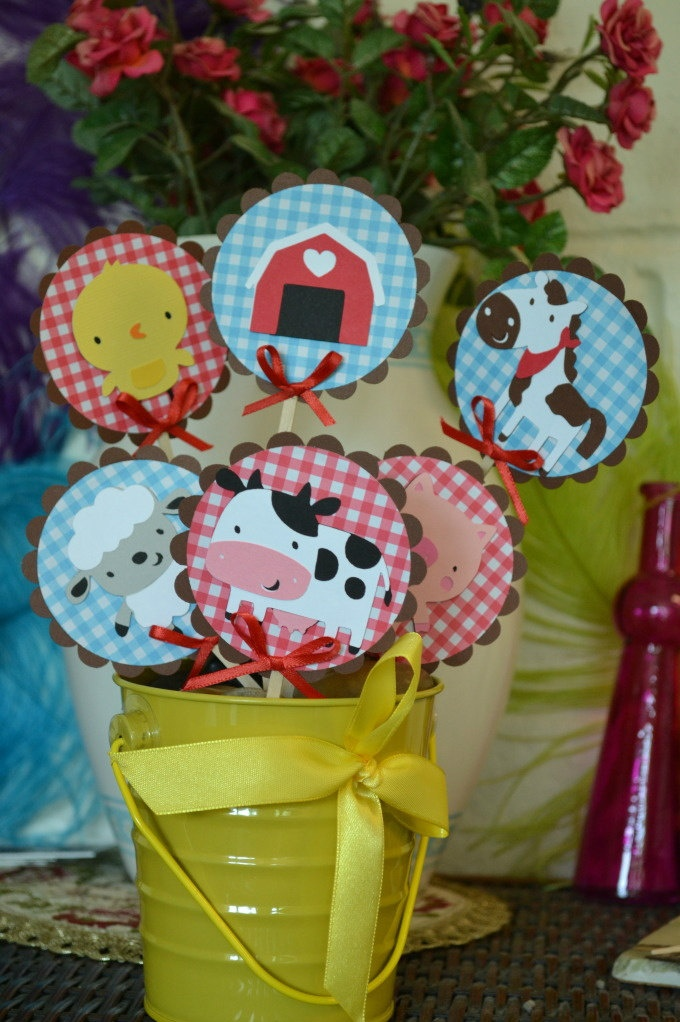 Farm Animals ( Barn, Horse, Cow, Piggy, Chick and sheep)  Themed  CupCake Toppers (Set of 18). $12.00, via Etsy.