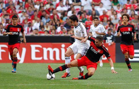 Kaká passing by Javi García  http://www.ronaldo7.net