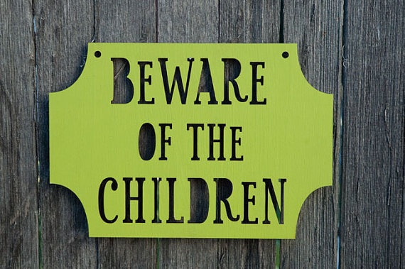 Need this!: Children Gifts, Gifts Cards, Kids Stuff, Gardens Signs, Funny, Front Doors, Doors Signs, House, Halloween Signs