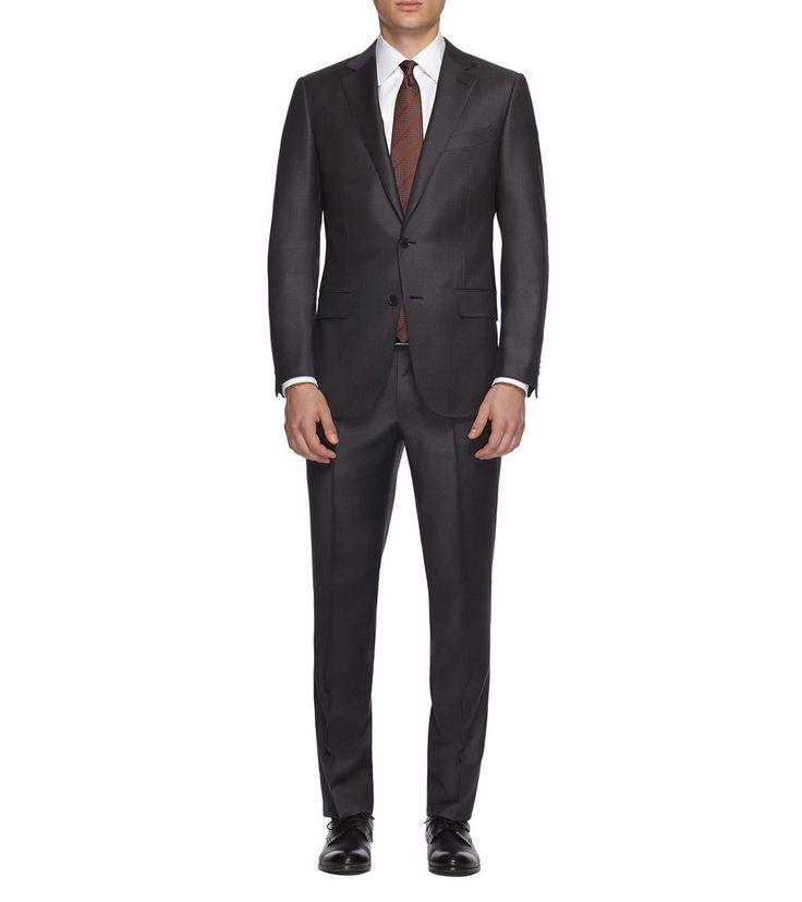 ERMENEGILDO ZEGNACOSTUMES: Costume gris à deux boutons en pure laine à la coupe couture est la solution parfaite en toute occasion. À porter avec une chemise bleue et