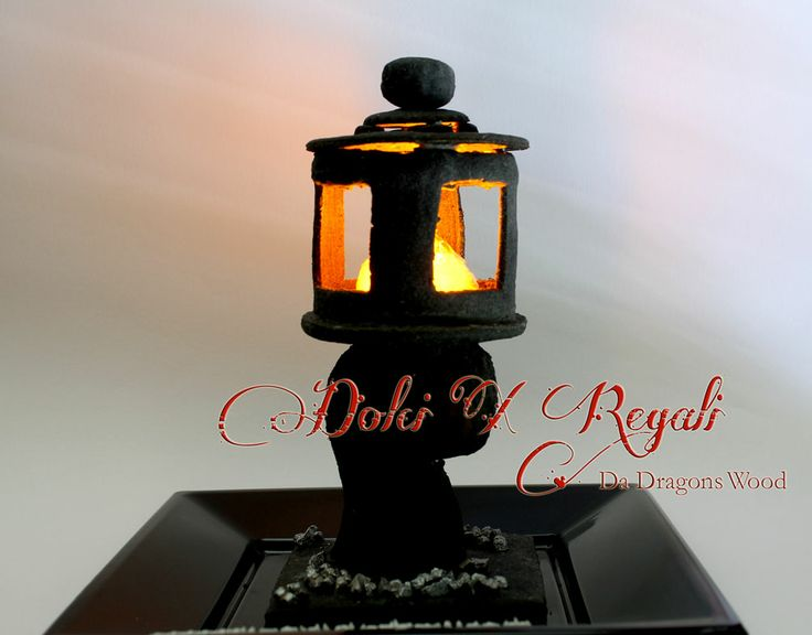 Stone lantern - Black sesame cookie