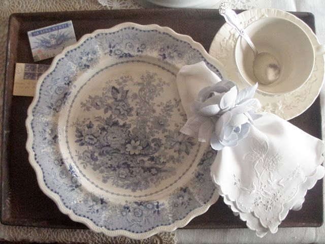 """Previous Pinner says, and I must certainly agree:  """"probably the most beautiful bowl I've ever seen"""" ~ So beautiful and delicate!"""