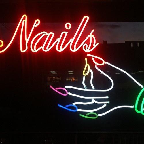 150 best Neon images on Pinterest | Arquitetura, Neon lighting and ...